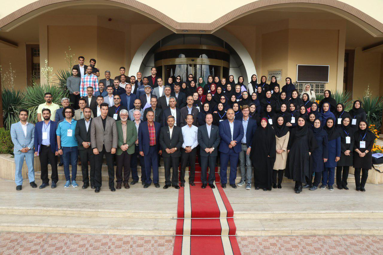 Group picture of the CLC participants, lecturers and hosts